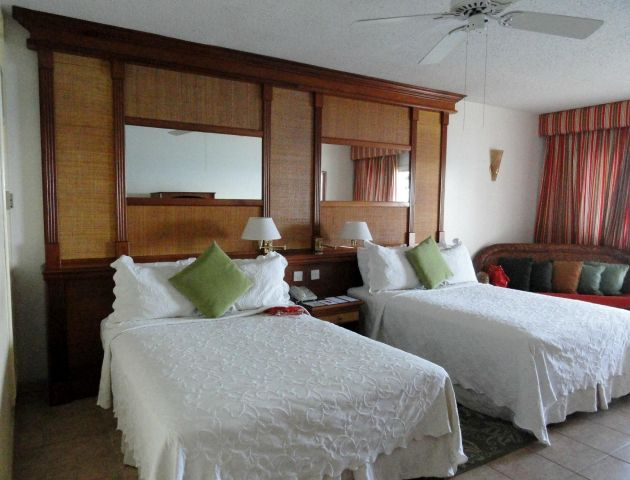 fort young hotel double bed