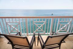 fort young hotelbalcony